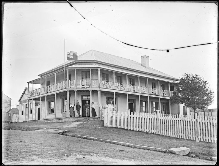 Platt's Hotel, [Raymond Terrace, NSW, December 1895]