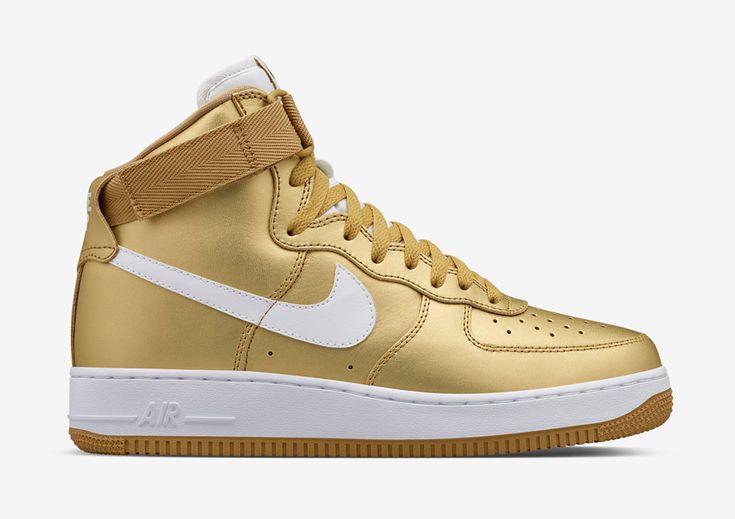 Nike Air Force 1 High — Metallic Gold — zlaté kotníkové boty, vysoké sneakers — pánské, dámské — Nikelab #nike #metallic #gold #airforceone #nikelab #zlate #sneakers #shoe
