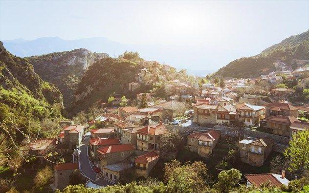 5 γραφικά χωριά της Ελλάδας μας συστήνονται! Πανέμορφοι φθινοπωρινοί προορισμοί μας καλούν να τους ανακαλύψουμε…