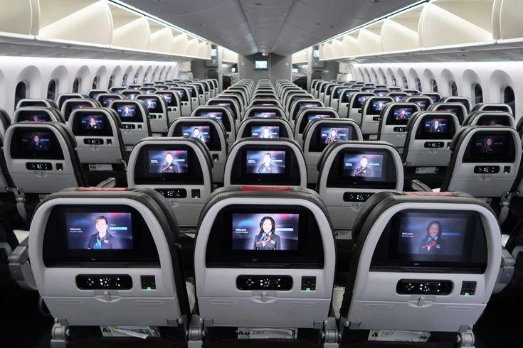 Aa boeing 777-200 premium economy