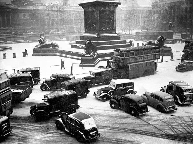 6 January 1947: Traffic chaos during heavy snowfall in London's Trafalgar Square