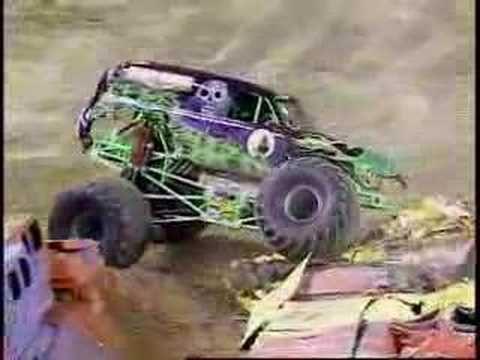 Monster Jam - Grave Digger Freestyle from St. Louis (Luke's favorite monster truck video)