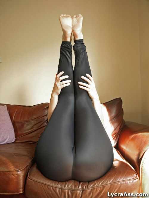 Big Ass In Tight Leggings