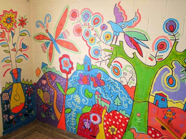 website of an artist who does brilliant collaborative school murals (Écoles Côte-de-Gaspé)