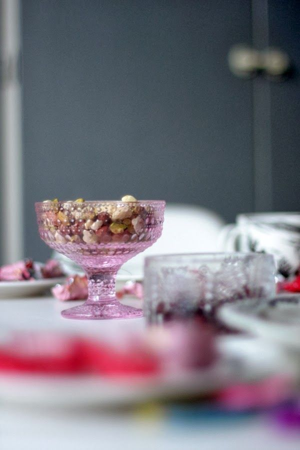 Iittala Kastehelmi bowl in pale pink, they are beautiful bowls in glorious colours.