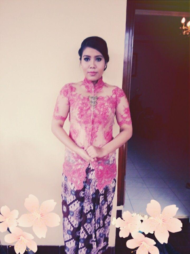 Modern Javanese (kebaya and batik)