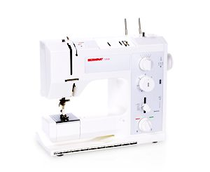 A classic! The BERNINA 1008 offers the flair of mechanical sewing with high precision and a wide range of setting options – the perfect example of comfort, convenience, and ease of handling.