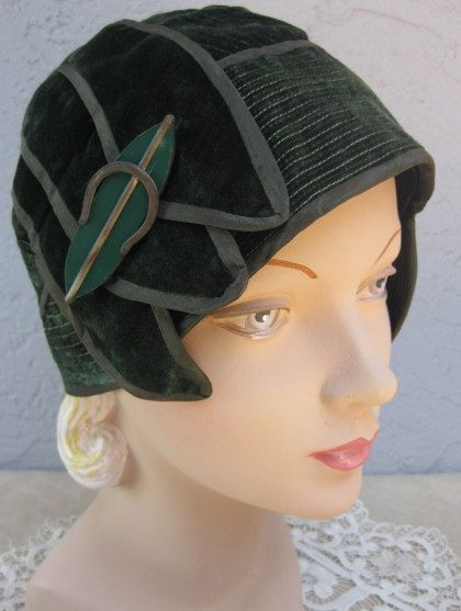 Jazzy Little 1930's Green Velvet Bonnie Parker Flapper Hat with Celluoid Hatpin $195