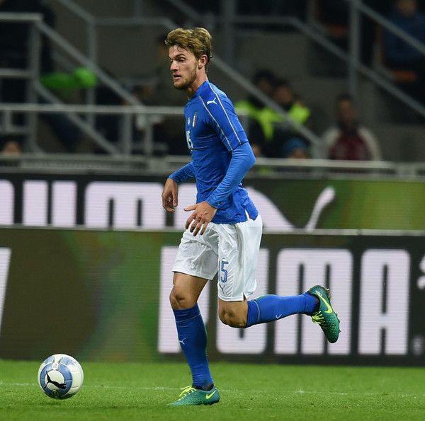Daniele Rugani of Italy in action during the International Friendly Match between Italy and Germany at Giuseppe Meazza Stadium on November 15, 2016 in Milan, Italy.