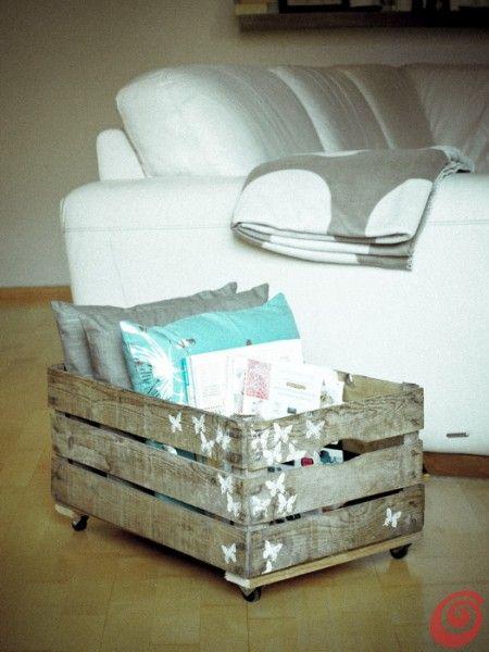 La cassetta in legno vintage di recupero: portariviste