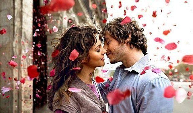 Для привлечения любви или сохранения хороших отношений в любовных делах используются рунограммы, которые получаются из сочетания нескольких рун. Если правильно применить их, то можно смело рассчитывать на удачный брак.