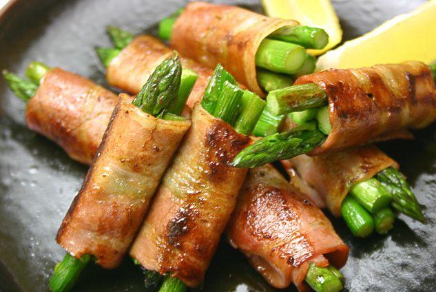 Involtino agli asparagi