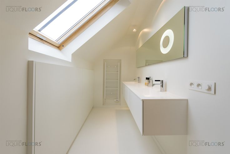 This stylish residence got completely stripped, renovated and has been given a nice smooth Spring White colored coating, covering floors and walls in the shower and toilet.  #gietvloer #design #interior #interiordesign #gietvloeren #interiorstyling #renovating #renovatie #verbouwen #binnenhuisarchitectuur #architecture #interieur #interieurstyling #vloeren #floors #parket #epoxy #betonvloer #kunsthars