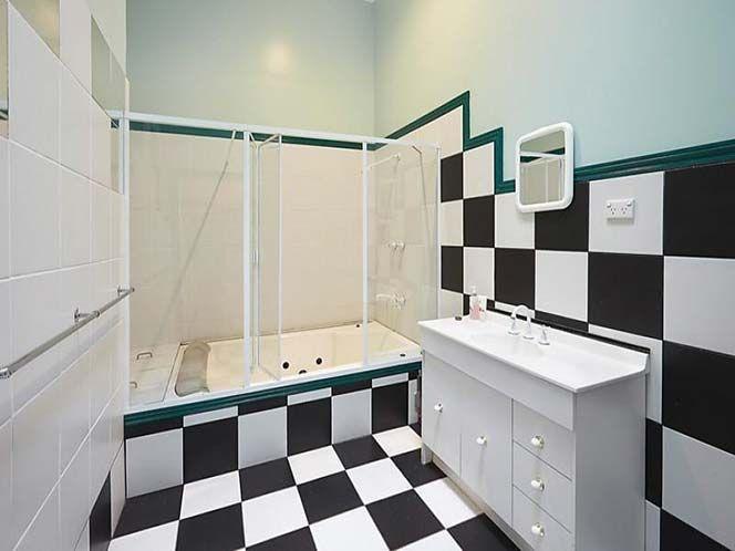 Brunswick Residence - transformation of a bathroom - http://iuradapg.com.au/brunswick-residence-transformation-bathroom/