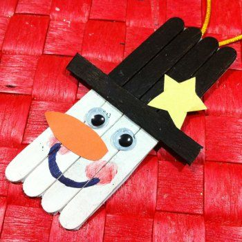 Muñeco de nieve con palos de helado