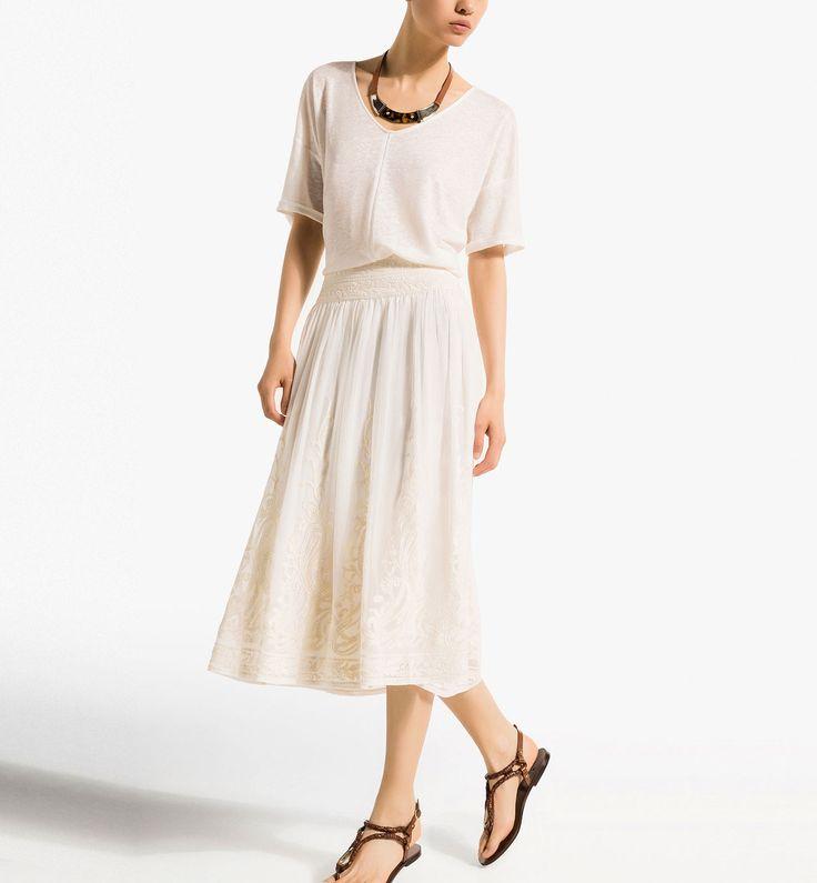 FALDA MIDI BORDADO CRUDO http://www.massimodutti.com/es/es/women/vestidos-%26-faldas/falda-midi-bordado-crudo-c1060620p3576600.html?colorId=712