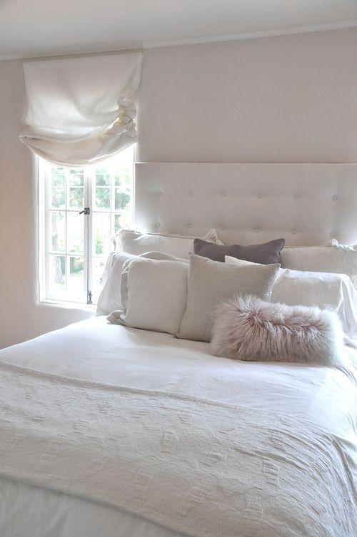 Pillows from Calypso Home, Restoration Hardware | flirty Matteo Tat Euro Shams ähnliche tolle Projekte und Ideen wie im Bild vorgestellt findest du auch in unserem Magazin . Wir freuen uns auf deinen Besuch. Liebe Grüß