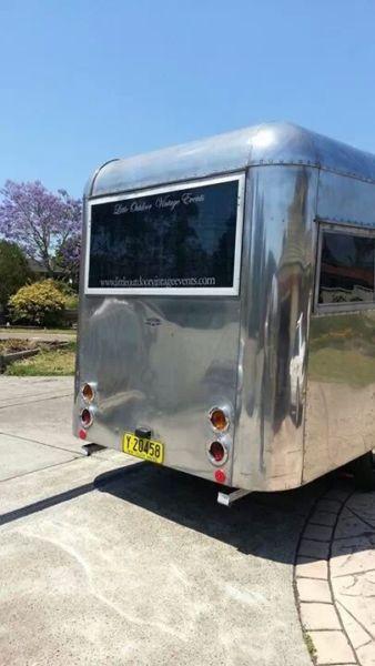 Carapark Hunter Jr Australian vintage caravan