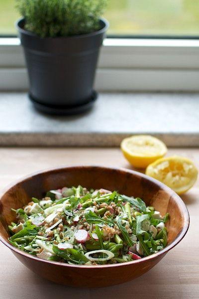Salad with perled spelt, asparagus, radish and feta