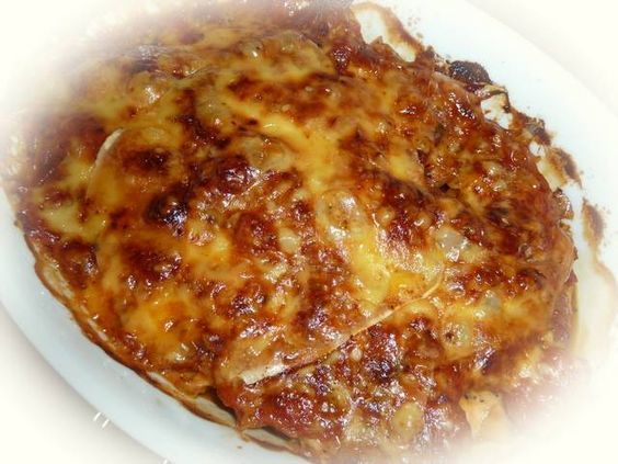 Dit heerlijke kipgerecht at ik bij een vriendin die met een Italiaan is getrouwd. Echt Italiaans dus. De kip wordt in de oven heel zacht en krijgt de...