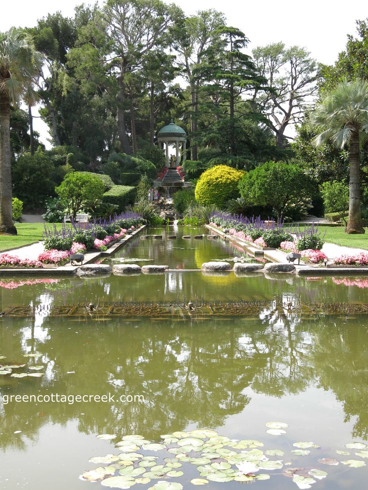 looking at the temple of love from the rose colored mansion of the villa ephrussi - Villa Ephrussi De Rothschild Mariage