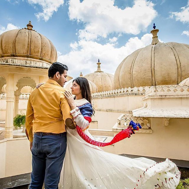 A gorgeous pre-wedding shoot by hitched and clicked (Delhi NCR) #couple #romantic #allsmiles #couplesgoals #prewedding #lovestruck #couple #preweddingshoot #coupleshot #tipsfortobeweds #engagement #justengaged #marriage #weddingelements #groomtobe #bridetobe #weddingtrends #bridalfashion #instafashion #indianweddings #brideandgroom #photographytrends #engagementshoot #eng...