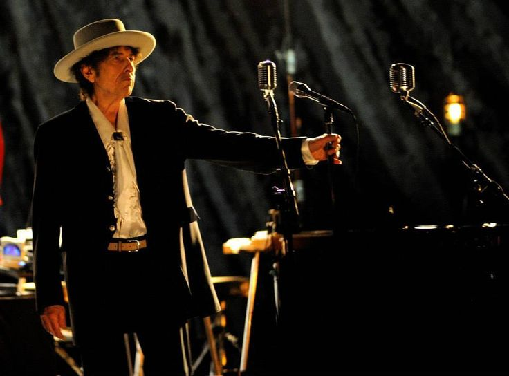 Amazon Drops Price on Bob Dylan Triplicate Due March 31st
