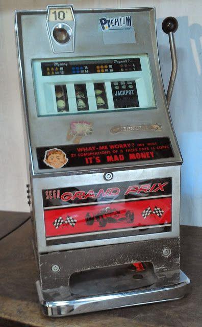 LE VIDE GRENIER DE DIDOU LA BROCANTE: machine a sous dite bandit manchot jackpot casino ancien bar bistrot loft vintage jeux