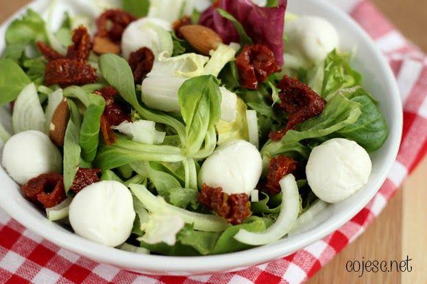 Mega szybka i smaczna sałatka z suszonymi pomidorami | Zdrowe Przepisy Pauliny Styś