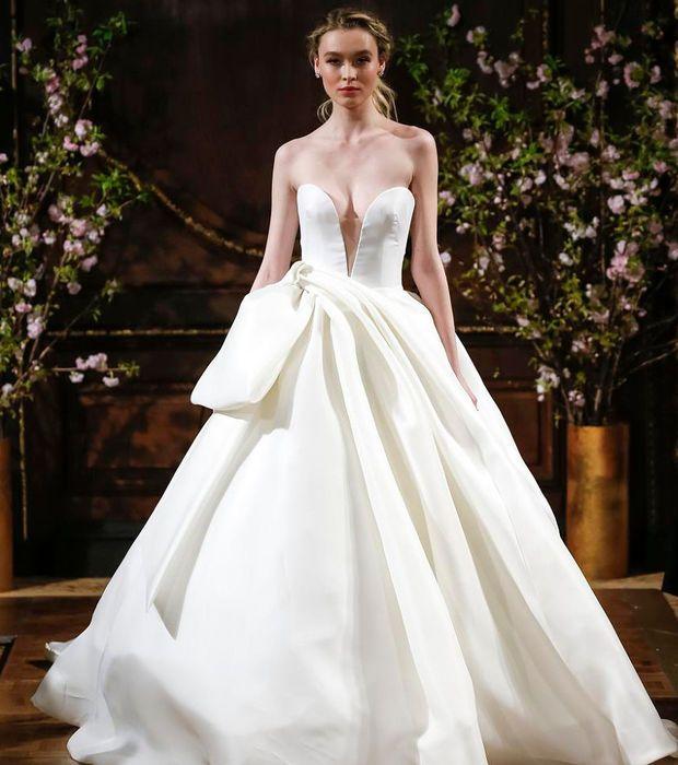 Robe de mariée 2017 - Isabelle Armstrong, robe princesse décolleté plongeant