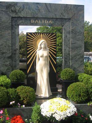 Tombe de Dalida, chanteuse,  cimetière de Montmartre