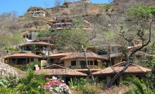 ¡Visitá Playa Hermosa #Guanacaste! Recibí una noche de hospedaje para hasta 4 personas en una villa de Hermosa Heights por sólo ¢37,800 | Yuplon #Oferta #Descuento
