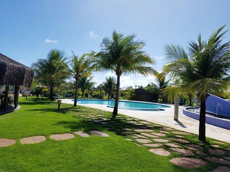 Tem post novo no blog!  Que tal conhecer um paraíso na praia do Mutá em Porto Seguro? Fizemos uma avaliação do Hotel Toko Village no sul da Bahia!Corre pra ver! (link na bio)  #praiaportoseguro #bahia #praia #hotel #viagem #Comospesnomundo #viagemtop #comospesnabahia #viajarfazbem #sol #Férias #Brasil #Brazil #visitbrazil #bahiaterradaalegria #Mutá #Cabrália #instatravel #travelblog #travelgram #instatrip #traveligers #viagens #review #blogdeviagem