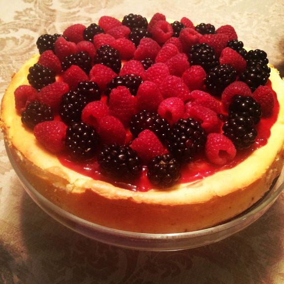 Cheesecake with fresh berries | Good eats | Pinterest