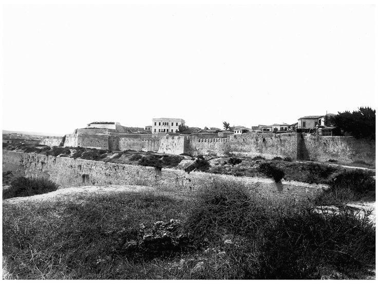 Heraklion - Ο επιπρομαχώνας Τζάνε (Zane), τείχη παλιά και καινούρια στην ανατολική ζώνη της πόλης)