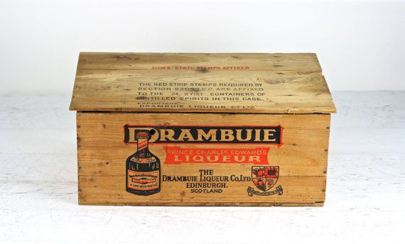 Vintage Wooden Crate, Wood Crate, Drambuie Crate, Wood Crate With Lid XL, Wooden Box, Liquor Wood Crate, Alcohol Wood Crate, Industrial