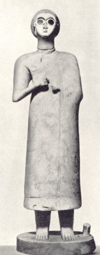 Статуэтка богини. Середина 3 тыс. до н.э. Багдад, Иракский музей