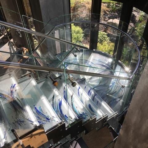 Le verre thermoformé: une suele limite: votre imagination! ici un escalier