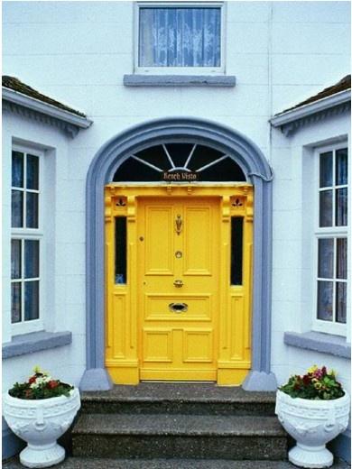Mustard paint makes this door pop!: Yellow Front Doors, Red Doors, Color Combos, Color Front, Blue Yellow, Hello Yellow, Front Doors Color, Bright Yellow, Yellow Doors