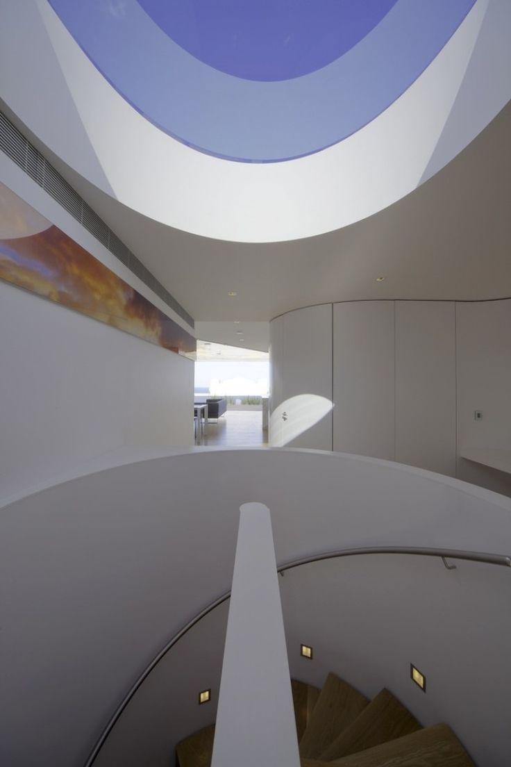 Bondi Beach Penthouse by MPR Design Group #audacious #architecture