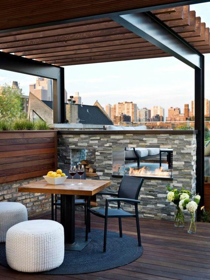 Balkon bauen Natur Materialien Stein und Holz Kamin einbauen