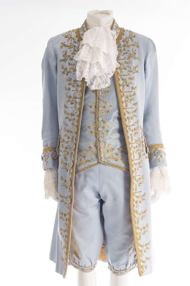 Musée de la Dentelle de Caudry - Costumes Haute Couture                                                                                                                                                                                 More