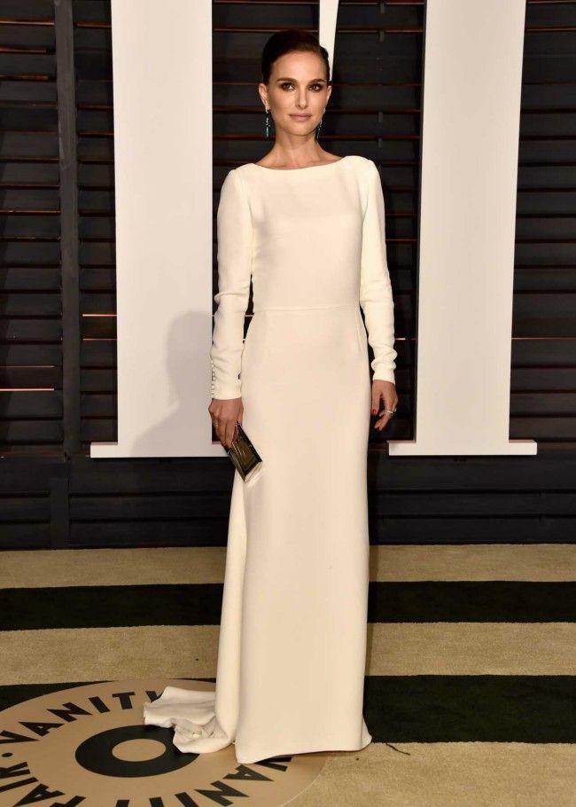 Natalie Portman in Christian Dior at the 2015 Vanity Fair Oscars party red carpet - Vogue Australia