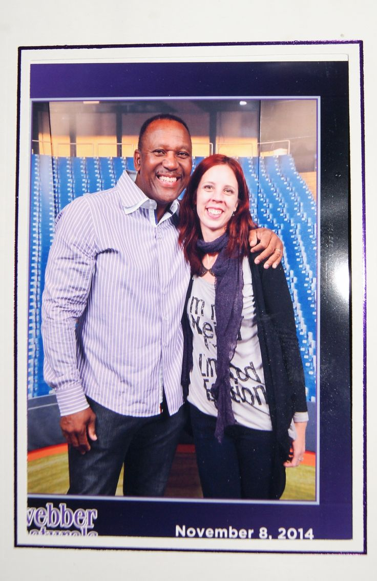 Got to meet #toronto #bluejays legend Joe Carter at The National Womens Show!: http://www.thepurplescarf.ca/2014/11/event-my-annual-girls-weekend-with-my-mom.html #NWStoronto #girlsweekend #lifestyle #thepurplescarf #melanieps