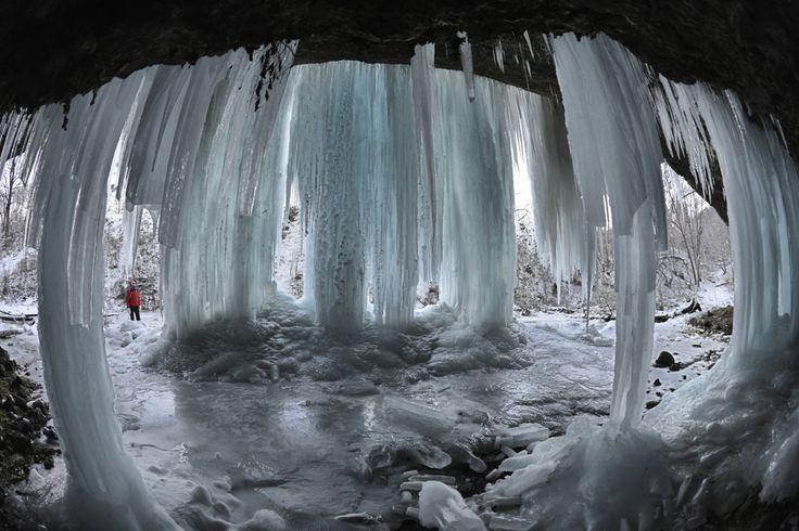 Pri Matejovciach nad Hornádom je jeden z najkrajších ľadopádov na Slovensku.
