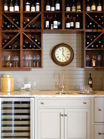 Wet bar and wine racks - this would be great in the finished basement for entertaining