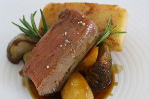 Receta de Espalda de ciervo con polenta de membrillo y boletus, Restaurante Tierra (1* Michelin), Valdepalacios Hotel Gourmand