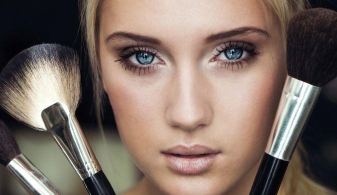 Необходимые инструменты для нанесения макияжа