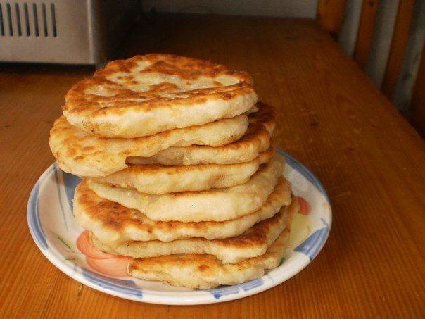 Шустрый повар.: ЛЕПЁШКИ С СЫРОМ