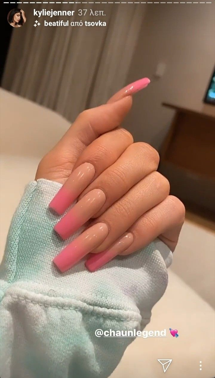 Kylie Jenner Kylie Nails In 2020 Kylie Nails Kardashian Nails Kylie Jenner Nails